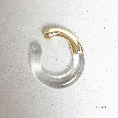ゴールドのクリアイヤカフリング